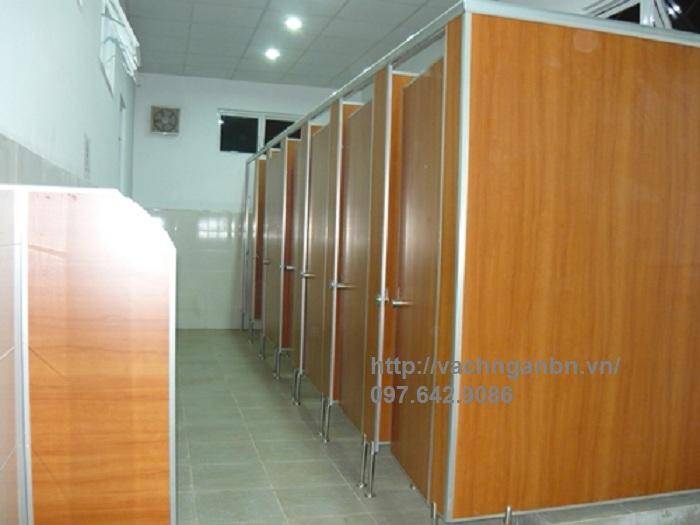Vách ngăn vệ sinh compact tại Quảng Ninh